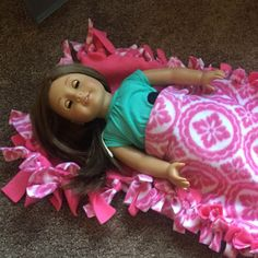If your little girl is in love with her American Girl Dolls, she will love this tutorial for an Easy No Sew American Girl Doll Sleeping Bag.