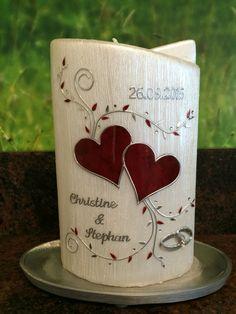 Hochzeitskerze Perlmutt oval-Ellipse dunkelrote Herzen mit Ranke in Silber