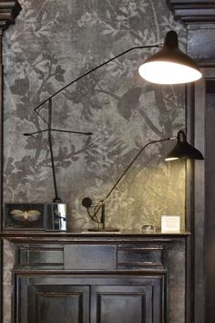 Mantis lamps and Walldeco wallpaper by anne Flock Wallpaper, Wall Wallpaper, Serge Mouille, Interior Wallpaper, Calming Colors, Art Mural, Furniture Styles, Wall Treatments, Beautiful Interiors