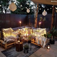 Cozy outdoor space with gorgeous lighting 📷 by Elegant Home Decor, Elegant Homes, Cozy Patio, Budget Home Decorating, Style Deco, Interior Exterior, Interior Design, Interior Styling, Pallet Ideas