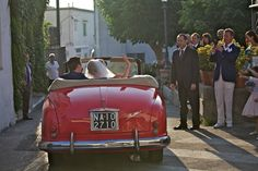 Wedding moments at Capri Palace - Going away in Fiat Alfetta 1400 Romantic Honeymoon, Going Away, Wedding Moments, Taxi, Fiat, Big Day, Palace, Destination Wedding, Wedding Photos