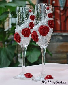 Beautiful Red and White wedding champagne glasses by WeddingbyAnn