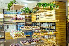 В центре Киева открылся магазин натуральных фермерских продуктов IzSela.ua