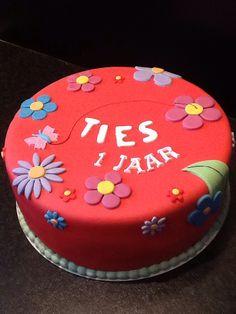 Verjaardagstaart n.a.v. Geboortekaartje