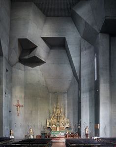 sacred concrete le corbusier - Corpus Christi, a photo essay by Fabrice Fouillet, captures masterpieces of modern religious architecture like Gottfried Böhn's St Ludwig in Saarelouis, Germany, completed in Sacred Architecture, Baroque Architecture, Architecture Design, Religious Architecture, Church Architecture, Creative Architecture, Minecraft Architecture, Architecture Tattoo, Architecture Religieuse