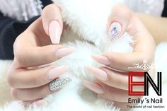 Natur strass nail Coffin Nails, Beauty, Rhinestones, Beleza, Long Fingernails, Cosmetology