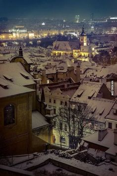 What a beautiful scene. The great city of Prague in the winter. Beautiful Places To Visit, Wonderful Places, Great Places, Places To See, Around The World In 80 Days, Around The Worlds, Prague Winter, Prague Czech Republic, Winter Scenes