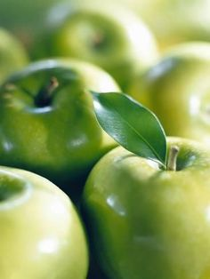 Numerous Very Clever Shangri La Diet Fruit And Veg, Fruits And Vegetables, Green Veggies, Green Fruit, Apple Art, Apple Muffins, Water Recipes, Fruit Recipes, Granny Smith