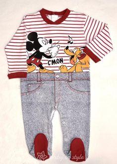 Overal na spaní s obrázkem myšáka Mickey