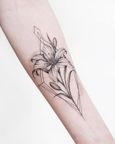 Best 12 here are 10 pretty lily tatto ideas for women; Tiger Lilly Tattoo, Lilly Flower Tattoo, Flower Tattoo Designs, Small Lily Tattoo, Outer Bicep Tattoos, Bicep Tattoo Women, Rose Tattoos, Body Art Tattoos, Sleeve Tattoos