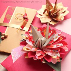 Otoshidama - New Year gift of money - お年玉袋 Flower Crafts, Diy Flowers, Paper Flowers, Flower Diy, New Year's Crafts, Diy And Crafts, Arts And Crafts, Diy Paper, Paper Art