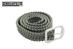 How to Make A Paracord Belt | Instructions These paracord belt instructions and easy to follow instructions show you how to make a DIY paracord rescue belt, my favorite of all the paracord belts I tried.  Paracord bracelets can come in handy but only have 8-12 feet of rope, while a paracord belt can have up