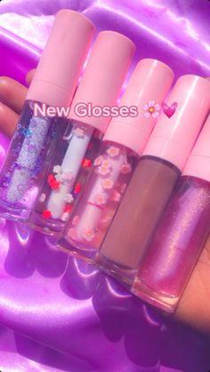 Best Lip Gloss, Diy Lip Gloss, Lip Gloss Colors, Cute Makeup, Simple Makeup, Natural Makeup, Lip Gloss Homemade, Flavored Lip Gloss, Makeup Kit