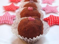 gesztenyegolyó Stuffed Mushrooms, Muffin, Cooking Recipes, Sweets, Cookies, Vegetables, Breakfast, Christmas, Crafts