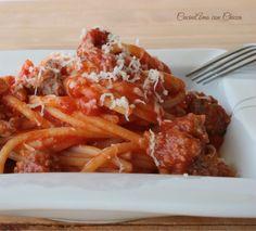 Spaghetti à la saucisse et scarmorza - Spaghetti con salsiccia e scamorza