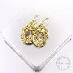 #sutasz #soutache #earrings #gold #golden #exlusive #orginal #women #fashion #trendy #night #handmade #jewerly #instasoutache #instahandmade #kavrila #kolczyki #wieczorowe #kobiecie #oryginalne #modne #złote #rękodzieło