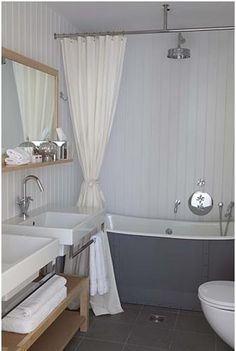 Free standing bath/shower in small space