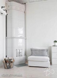 Myytävät asunnot, Puolalanpuisto, Turku #oikotieasunnot Interior, Living Room Flooring, Cottage Chic Decor, Fireplace Design, Home Decor, House Interior, Room Flooring, Room Paint, Nordic Decor