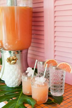 Carleton Varney's Caning Drinkware Takes Centerstage at Palm Beach Lately's Brunch...