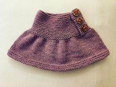 Lilla hals. Ca str 5 til 10 år. Strikket av Babymerinoull fra Drops. Et mykt og kløfritt garn. Fargen heter ... Modern Crochet Patterns, Baby Knitting Patterns, Knitting Designs, Crochet Cardigan, Crochet Yarn, Baby Skirt, Baby Girl Crochet, Knitting For Kids, Baby Sweaters