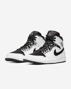 Team Jordan Shoes, Jordan 1, Sneakers Nike Jordan, Jordan Shoes Girls, Nike Air Shoes, Jordan Nike, Nick Shoes, Sneakers Fashion, Shoes Sneakers