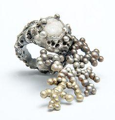 "Ornella Iannuzzi ring "" Eruption"" - Quartz crystals set in oxidised silver -"