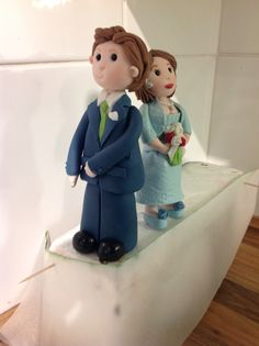 The making of the cricket themed wedding cake by Jemz Cake Box