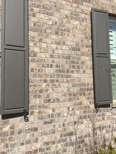 Marshton Queen Brick with gray mortar by Pine Hall Brick. Fairmo… Marshton Queen Brick with gray mortar by Pine Hall Brick. Brown Brick Exterior, Brown Brick Houses, Brown House, House Paint Exterior, Exterior House Colors, Exterior Design, Shutter Colors, Brick Siding, Light Brick