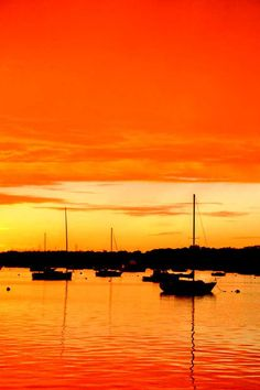 photo at sunset in bristol, rhode island