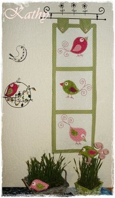 Birds Quilt Quilt s aplikacemi ptáčků :: Kathy Chicken Quilt, Bird Quilt, Quilt Patterns, Quilting Ideas, English Paper Piecing, Textile Art, Quilt Blocks, Applique, Free Tutorials