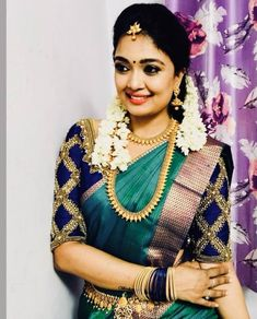 traditional south indian bride wearing bridal saree and jewellery reception look makeup by Indian Bridal Sarees, Indian Bridal Wear, Indian Wear, South Indian Sarees, South Indian Weddings, South Indian Bride, Indian Jewellery Design, Bridal Jewellery, Jewellery Designs