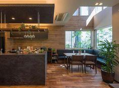【公式:ダイワハウスの住宅商品xevoΣ(ジーヴォシグマ)のサイト】暮らしがイメージできるxevoΣの外観・内観をご紹介しています。 Modern Kitchen Cabinets, Kitchen Dinning, Kitchen Nook, Kitchen Gifts, Kitchen Interior, Interior Design Living Room, Living Room Designs, Townhouse Interior, Duplex