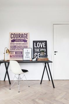 Poster Courage 3 sizes and 2 colors available