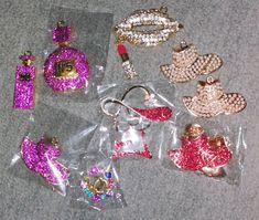 Bangle Bracelets With Charms, Bangle Set, Beaded Bracelets, Designer Crocs, Pandora Bangle, Beauty Business Cards, Sting Like A Bee, Chicken Alfredo, Gold Set