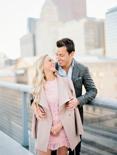 Adorable Chicago e-sesh: http://www.stylemepretty.com/illinois-weddings/chicago/2016/06/01/the-perfect-chicago-engagement-session/ | Photography: Kristin La Voie Photography - http://kristinlavoiephotography.com/