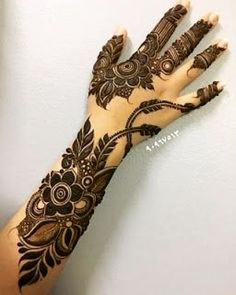 Latest Henna Designs, Floral Henna Designs, Henna Designs Feet, Mehndi Designs For Girls, Mehndi Designs For Beginners, Mehndi Designs 2018, Mehndi Designs For Fingers, Wedding Mehndi Designs, Unique Mehndi Designs