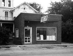 """Dominos – Opened 1960 in Ypsilanti, Michigan"""