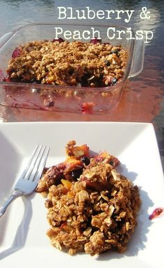 Blueberry and Peach Crisp. 249 Calories * 7 Weight Watchers Points PLus * 5 Weight Watchers Old Points #weightwatchers