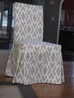 Tutorial: how to sew Parsons chair slipcovers {includes pattern to fit IKEA's Henriksdal dining chairs}.