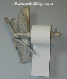 toilet roll holder in driftwood and bark: Accessory . dispenser, toilet roll holder in driftwood and bark: Accessory .