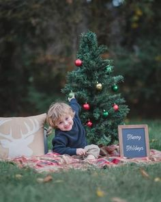 Happy Baby Photo Shoot Concept for Christmas Christmas Photo Booth Props, Christmas Backdrops, Christmas Photo Cards, Christmas Christmas, Outdoor Christmas, Christmas Cookies, Christmas Wreaths, Christmas Crafts, Christmas Decorations