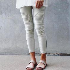 Those jeans 😍