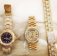 im obsessed with gold His And Hers Rolex, Handbag Accessories, Jewelry Accessories, Luxury Lifestyle, Michael Kors Watch, Gold Watch, Rolex Watches, Bracelet Watch, Jewlery
