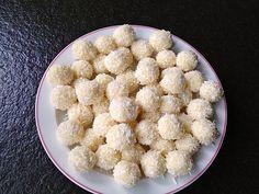 Low Carb Rezepte: Kokos-Mandel-Pralinen wie Raffaello