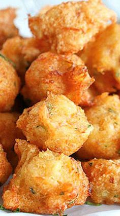 Salt Cod Fish Fritters Spiced Jamaican Saltfish fritters – Crispy on the outside and soft on the inside. A tastebud sensation! Cod Fish Recipes, Seafood Recipes, Appetizer Recipes, Cooking Recipes, Appetizers, Cooking Tips, Easy Recipes, Salad Recipes, Jamaican Dishes