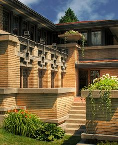 Meyer May House - Grand Rapids, Michigan - Frank Lloyd Wright - 1908. This photo shows FLW signature jumbo brick set in a horizontal style. Genius.