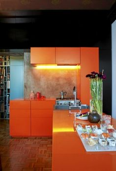 Interesting...can't decide if I like orange as a main color for a room even though I LOVE orange