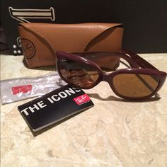 Ray Ban sunglasses in good condition Perfect Ray Ban sunglasses that were used once! Comes with case! Open to any offers Ray-Ban Accessories Sunglasses
