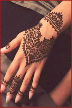 Eid Mehndi Design For Hand And Feet 2016 Stylish And Easy; In the majority of the Asian nation, Mehndi is one of the imperative Henna Hand Designs, Eid Mehndi Designs, Mehndi Desing, Mehndi Patterns, Beautiful Henna Designs, Simple Mehndi Designs, Mehndi Designs For Hands, Henna Tattoo Designs, Islamic Patterns