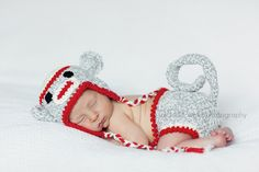 Babies and Sock Monkeys.  My favourite combination.